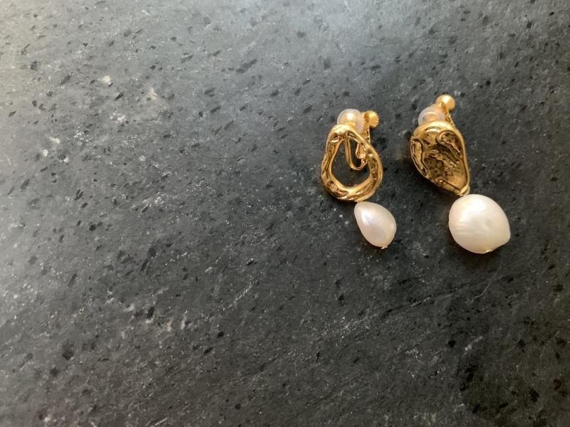不對稱珍珠(夾式耳環)