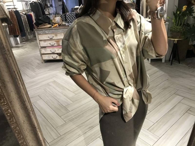 幾何圖型襯衫